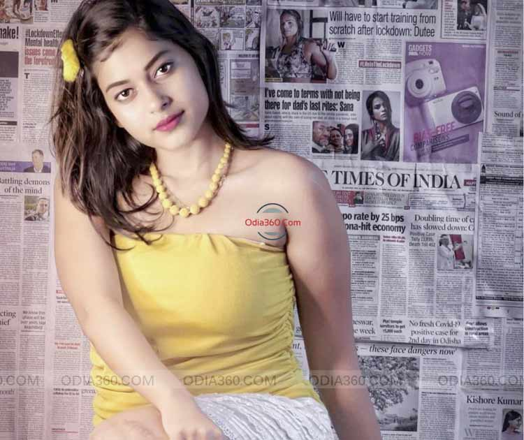 Cookies Swain Hot Sexy Odia Actress Real life Pictures,Photos,Images,Walls