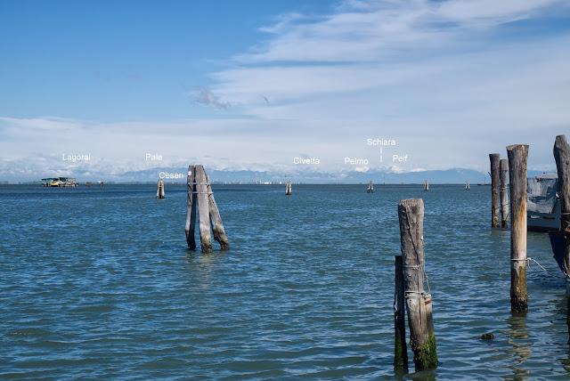 L'arco alpino visto dalla laguna veneziana