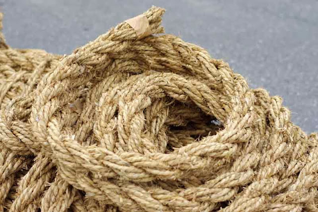 smaller ropes for tugging
