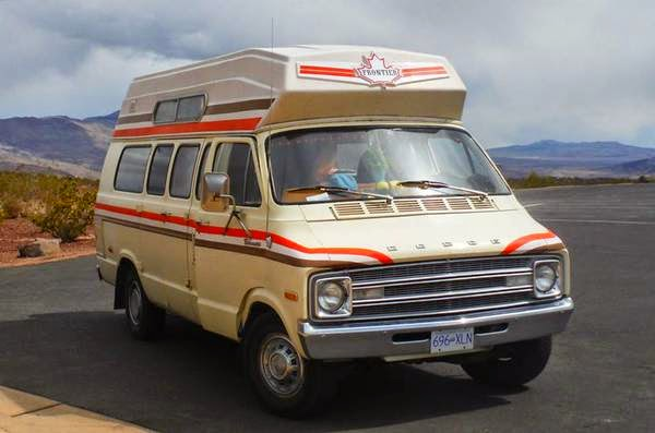 used rvs 1977 dodge tradesman 200 motorhome for sale by owner. Black Bedroom Furniture Sets. Home Design Ideas