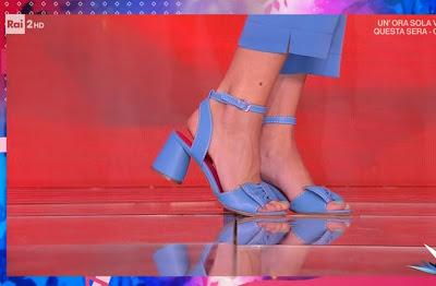 scarpe blu Martina Pascutti detto fatto 6 aprile