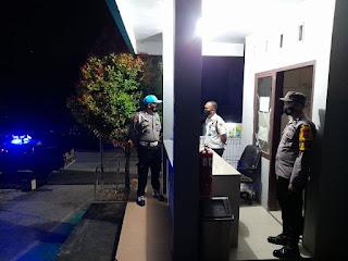 Kanit Provos Polsek Anggeraja Patroli Ke Kantor PLN Dan Sampaikan Himbauan