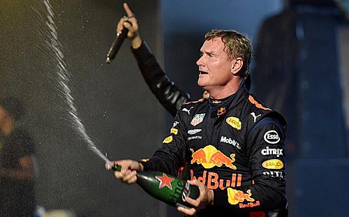Đua thử xe F1 lần đâu tiên tại Hà Nội