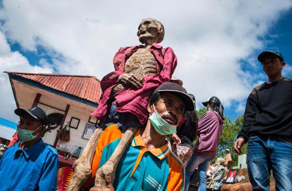 ritual mayat berjalan
