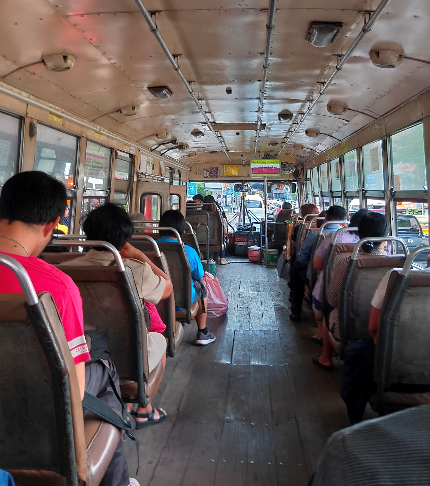 Bus-in-Bangkok.jpg