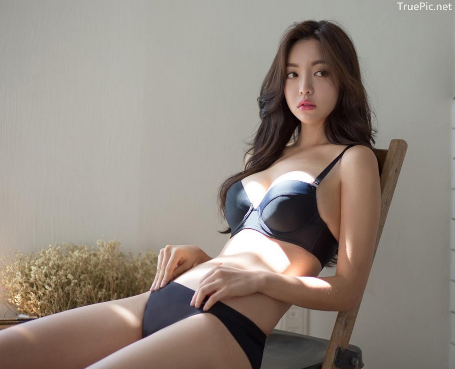 Korean model and fashion - Jin Hee - Black and white Lingerie - Picture 4