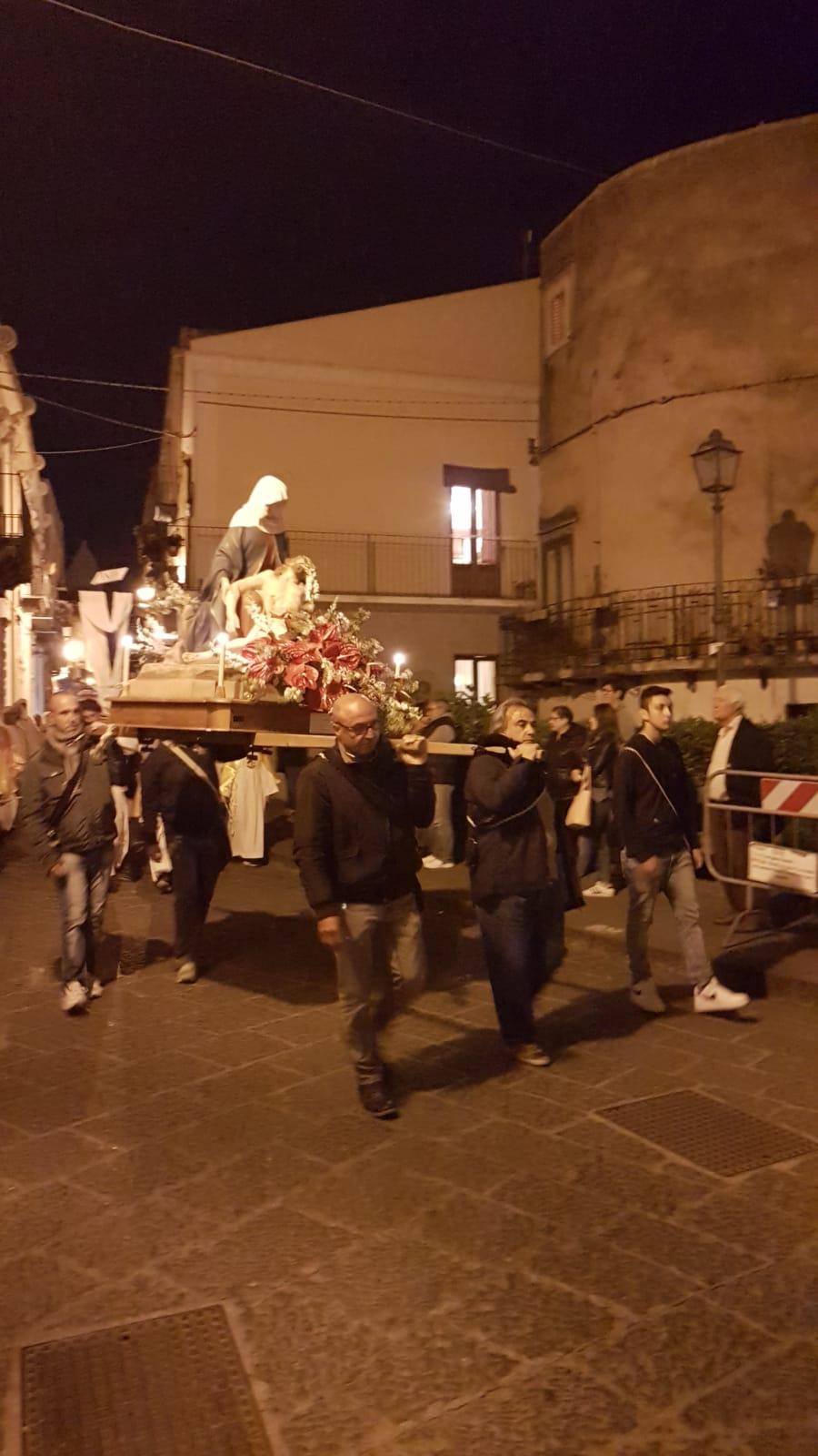Eolie news la processione del venerd santo 2019 a lipari for Di bartolo arredamenti srl
