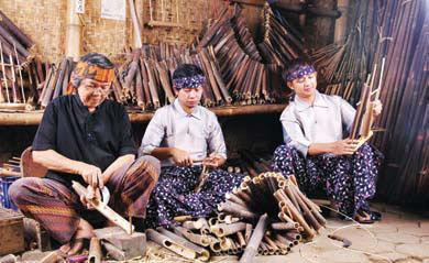 Sejarah Saung Angklung Udjo di Bandung