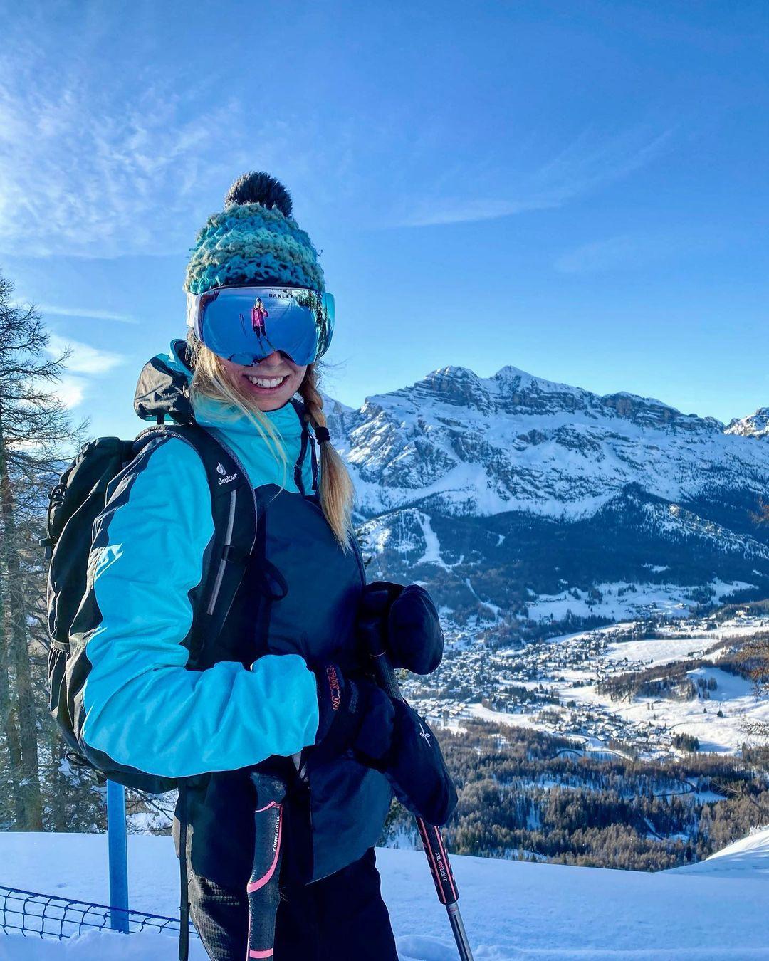 Cortina d'Ampezzowisata terbaik musim salju