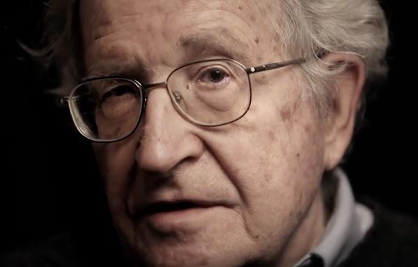 """""""Nos oponemos al golpe"""" por Noam Chomsky"""