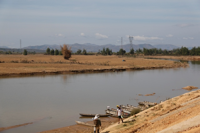 Bến sông Kon Hngo Ktu yên bình
