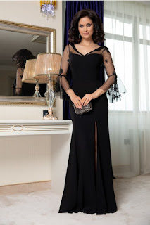 Rochie lunga Leonard Collection neagra cu maneci din tull brodat.