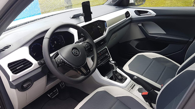 VW T-Cross Highline 250 TSI Automático - interior