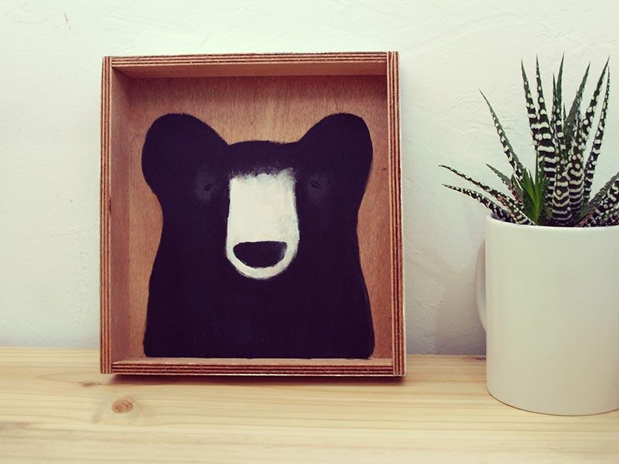 Proyectos eco: pintar un sobre sobre una cajita de madera