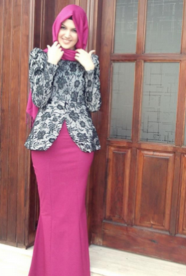 Dress muslim kombinasi batik acara pesta