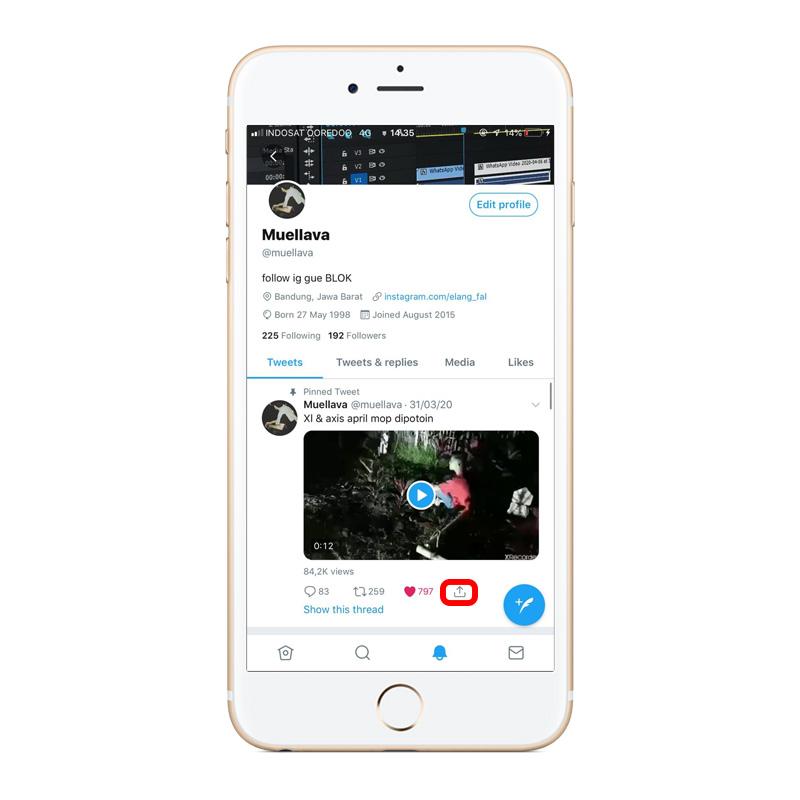 Pilih tombol share atau bagikan video twitter