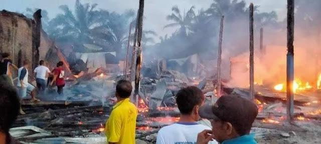 8 Rumah Ludes Terbakar di Hutabayu, Wakil Ketua DPRD Simalungun Apresiasi Damkar Pemko Siantar