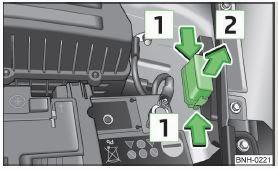 cars & fuses: skoda rapid 2013 - fuse panel fuse box on skoda fabia fuse box in skoda rapid