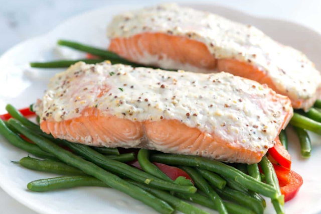 Easy Sour Cream Baked Salmon #healthy #recipes