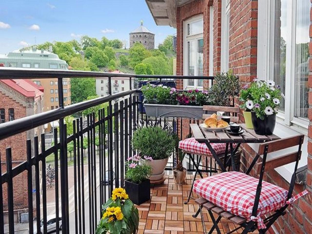 5 Desain Pagar Balkon Minimalis Modern Ini Keren Banget Bangizaltoy Com Model pagar teras atas