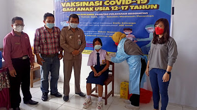Puskes Basaan Gelar Vaksinasi Anak Perdana di SMP Kristen Basaan