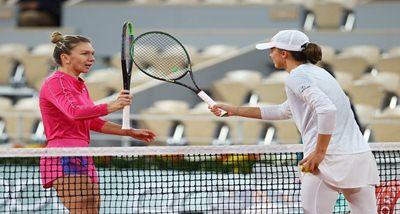 फ्रेंच ओपन: इगा स्वोटेक ने महिला एकल के क्वार्टर फाइनल में पहुंचने के लिए शीर्ष वरीयता प्राप्त सिमोना हालेप को हराया