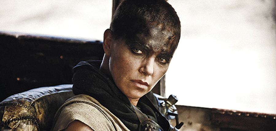 Charlize Theron în rolul Imperator Furiosa din Mad Max: Fury Road