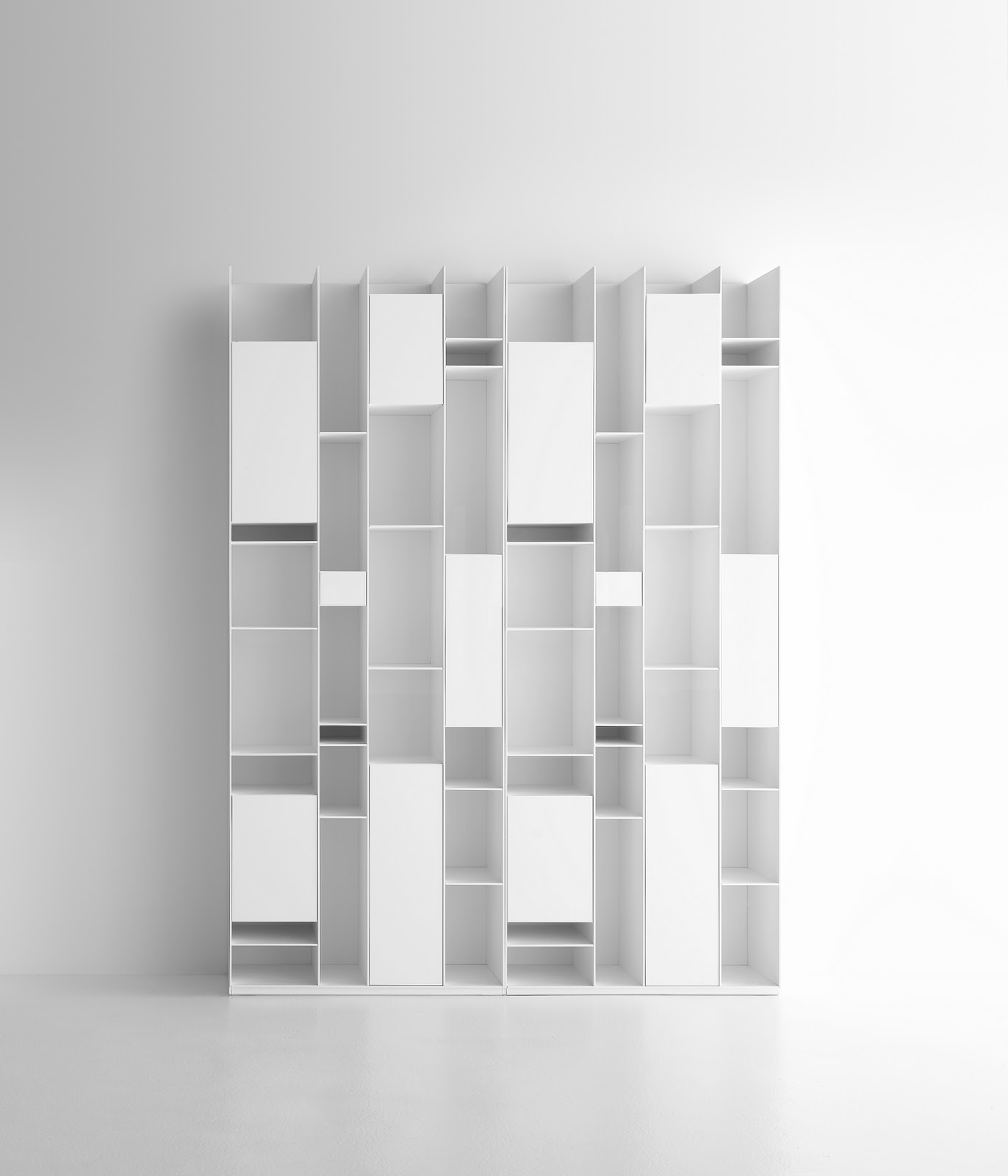 mdf italia la random family agence at. Black Bedroom Furniture Sets. Home Design Ideas