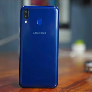 Samsung galaxy M20-Design