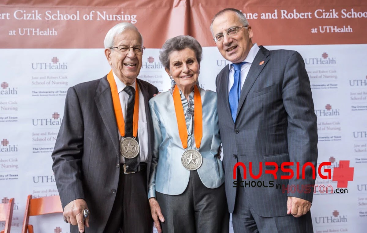 jane and robert cizik in coronation event at uthealth school of nursing.