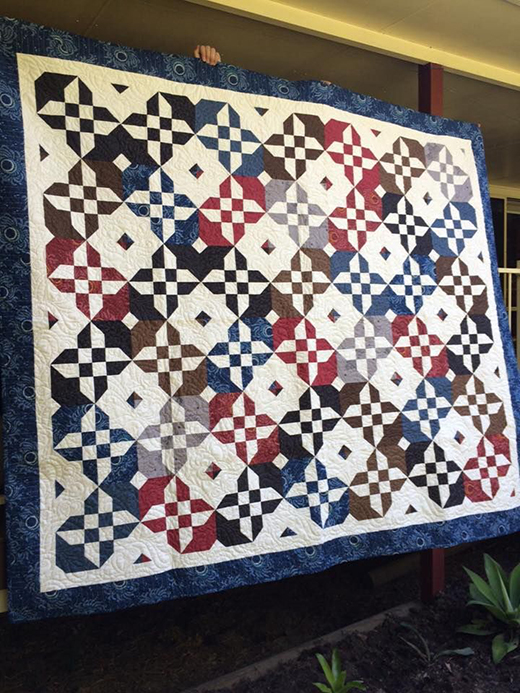 The Disappearing Hourglass 2 Quilt Made by Sarah Wallace of Jesmond , The Free Tutorial designed by Jenny of Missouri Quilt Co