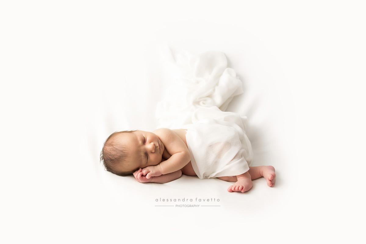 Sesión foto recién nacido a domicilio en la provincia de Sevilla - Alessandra Favetto Photography