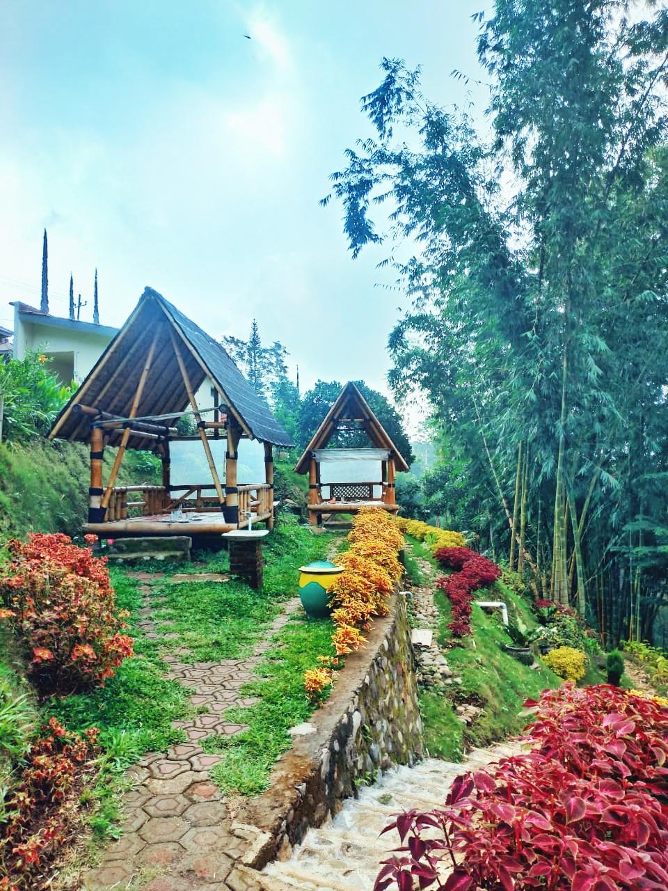 Warung 5758 Maju Mapan, Pacet : Pilihan Resto dan Cafe Bernuansa Alam Baru (Recommended!!)