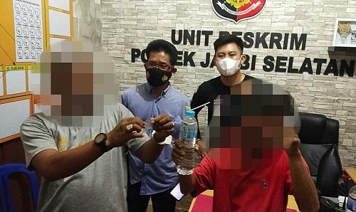 Sedang Asyik Isap Narkoba, Dua Warga Kota Jambi Diciduk Polisi