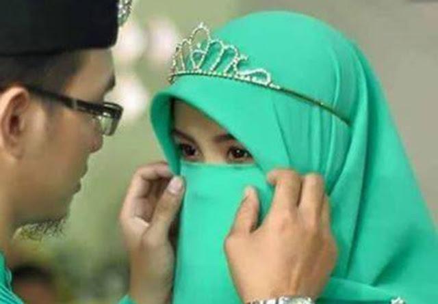 Subhanallah.. Berhenti Menjadi Wanita Karir Demi Taat Pada Suami, Wanita Karir Masuk Sini
