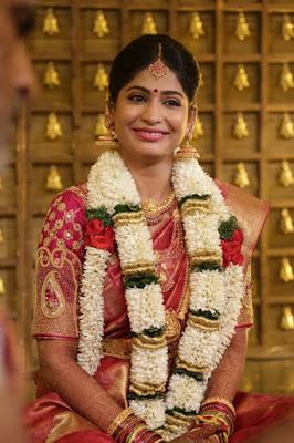 Actress-Vijayalakshmi-wedding-look