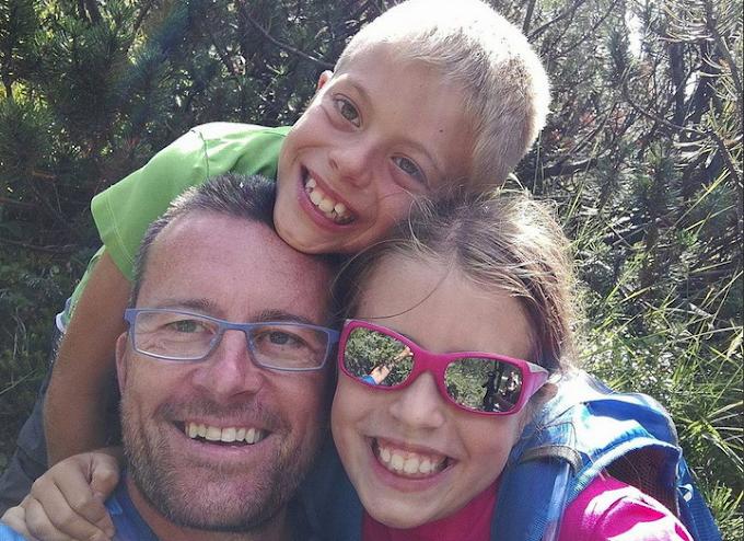 Padre uccide i suoi figli gemelli e si suicida