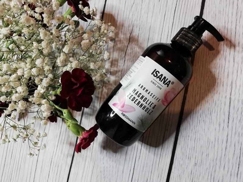 Isana aromatyczne mydło w płynie magnolia i drzewo cedrowe