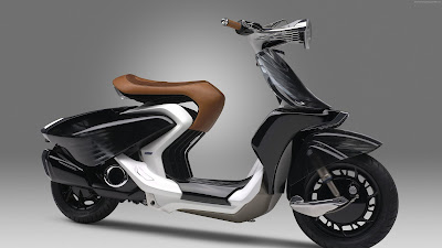Yamaha 04Gen Concept Scooter right side angle