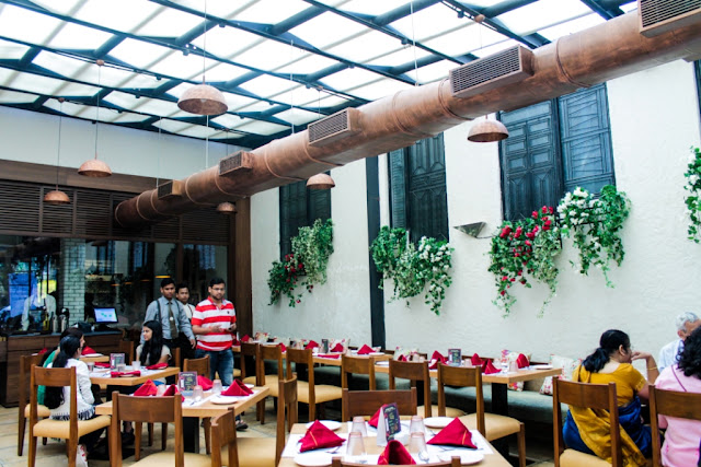 Family Tree Pure Vegetarian Restaurant at Panch Pakhadi, Thane