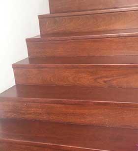 tangga kayu ulin