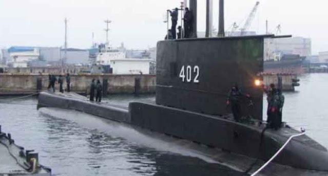 Panglima TNI Awasi Proses Pencarian Kapal Selam KRI Nanggala-402 di Bali