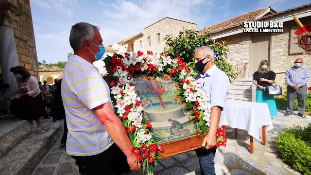 Περιφορά της θαυματουργής εικόνας της Ζωοδόχου Πηγής στην Αγία Μονή στο Ναύπλιο (βίντεο)