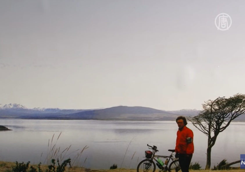 Russian painter Vladislav Kitov has traveled the Earth on a bicycle for 21 years