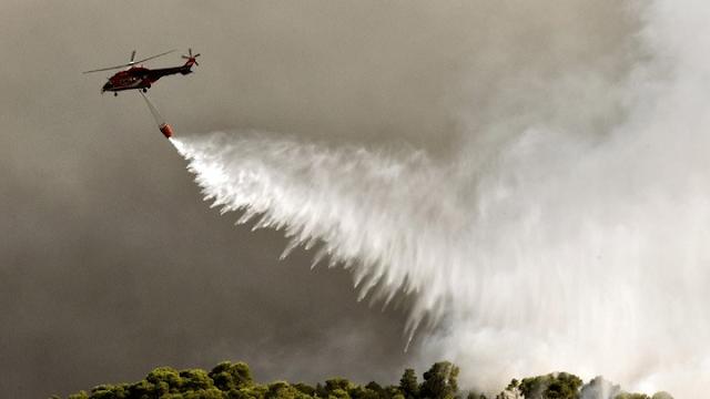 Υπό έλεγχο η πυρκαγιά στην Ύδρα - Παραμένουν δυνάμεις από την Αργολίδα
