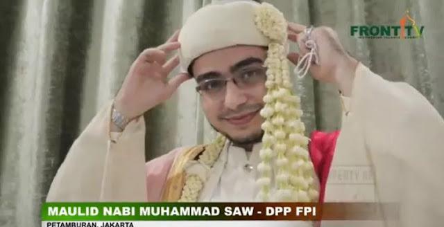 Foto-Foto Pernikahan Putri Habib Rizieq Najwa Shihab dengan Irfan Alaydrus