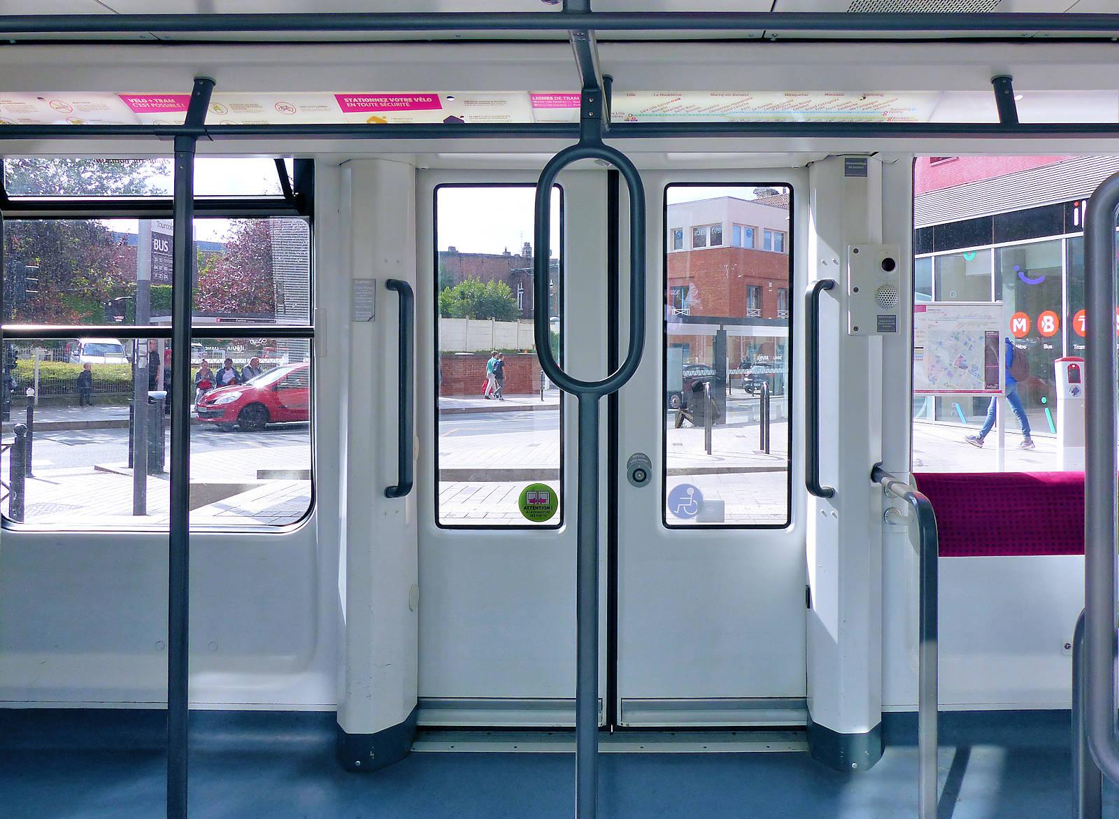 Terminus Tramway Tourcoing Centre vu depuis le Wagon