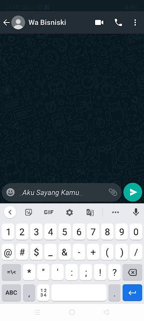 Cara Desain Tulisan Chat Miring di WhatsApp