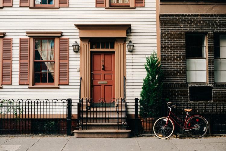 Beberapa Pertimbangan Ketika Menentukan Warna Cat Depan Rumah yang Wajib Anda Tahu!