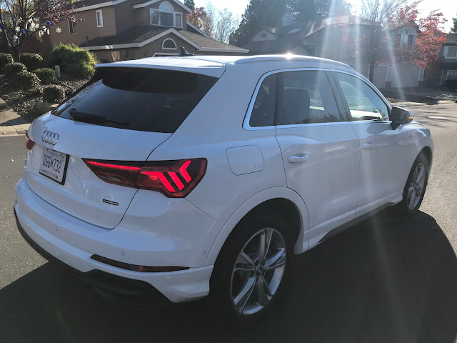 Rear 3/4 view of 2019 Audi Q3 S Line quattro